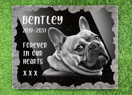 Plaques for dogs graves with picture and pet memorial verses